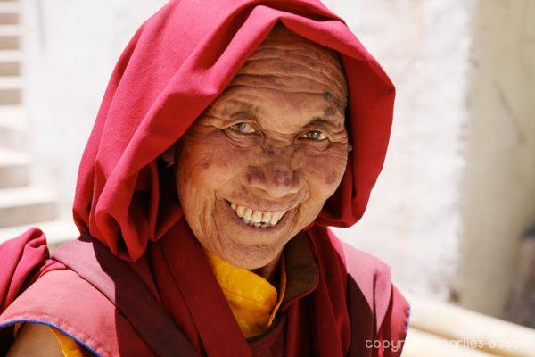 2010-nuns-ladakh-004