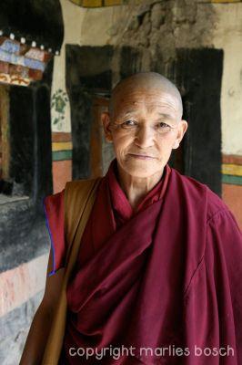 2010-nuns-ladakh-014