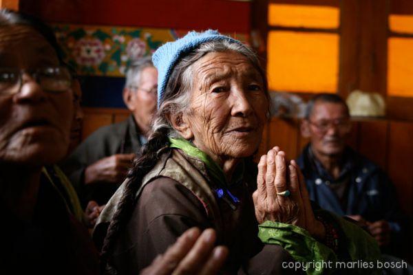 2010-nuns-ladakh-030
