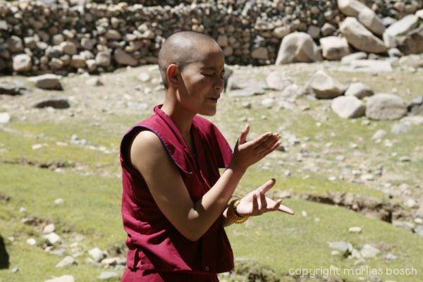 2010-nuns-ladakh-031
