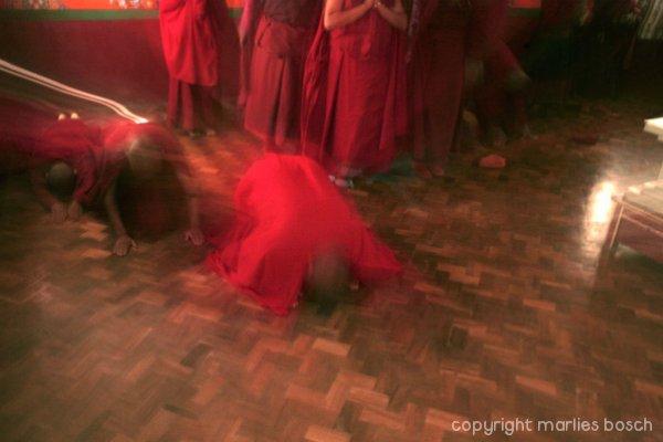 2010-nuns-move-015