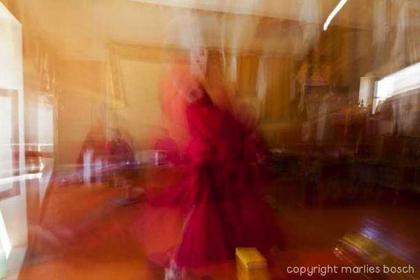 2011-nuns-abstract-008