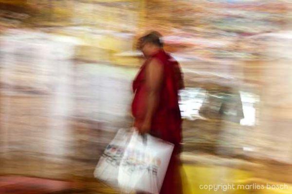 2011-nuns-abstract-016